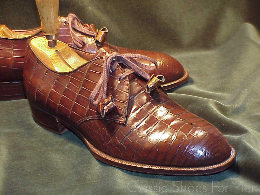 c304702fd735 Neuwertig – Vintage Spade Sole FOOTJOY Alligator Derby